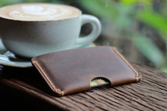 4 Expert Tips On How To Choose The Right Men's Wallet